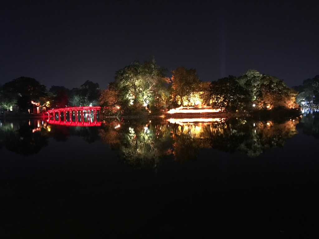 The night view of Hoan Kiem Lake