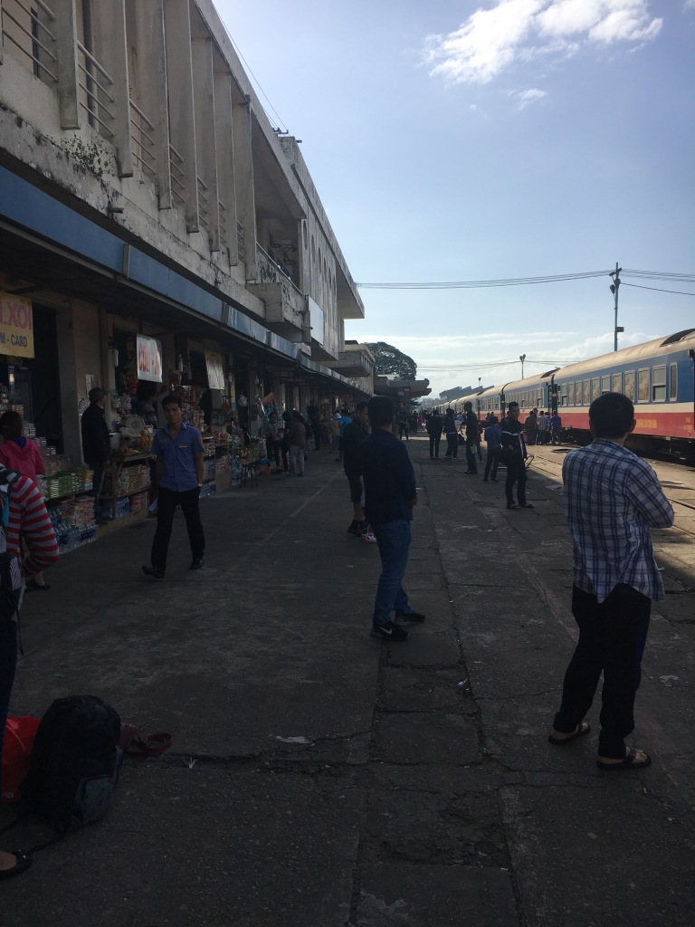 The platform @ Da Nang Station