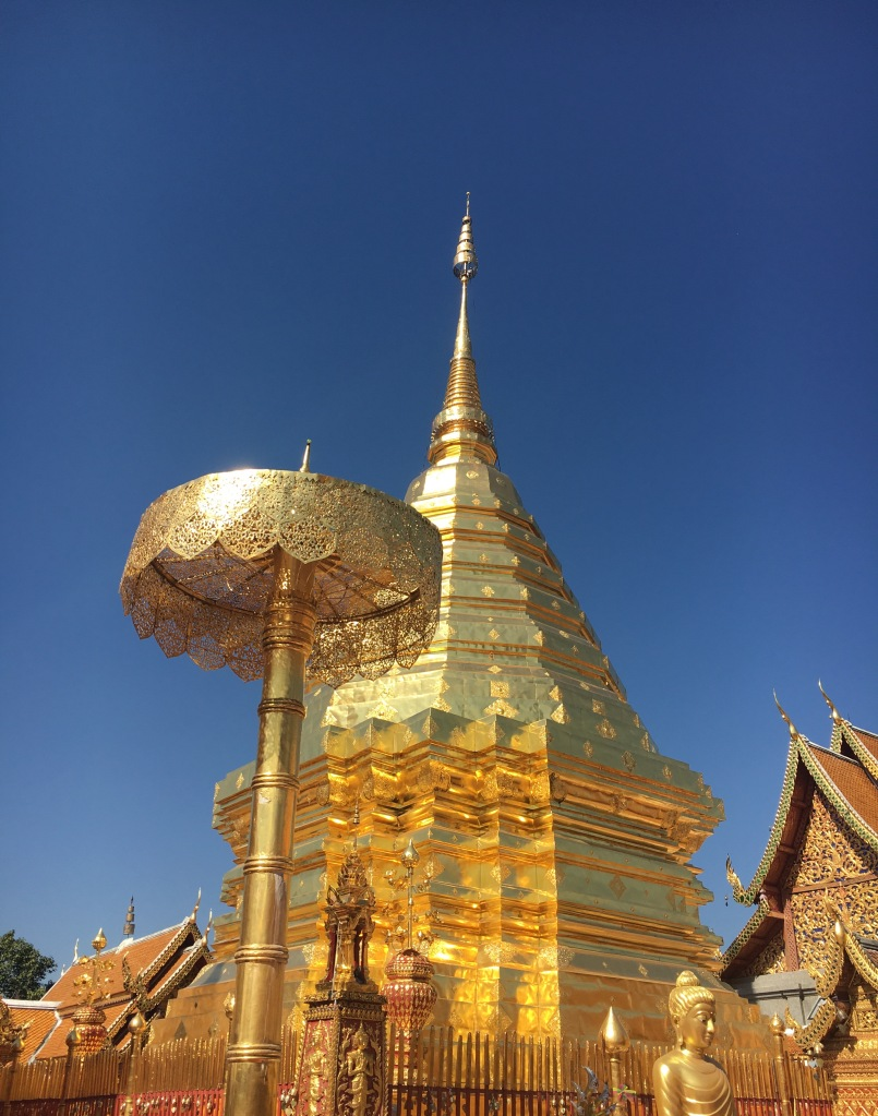 The central gold chedi @ Wat Phra That Doi Suthep.