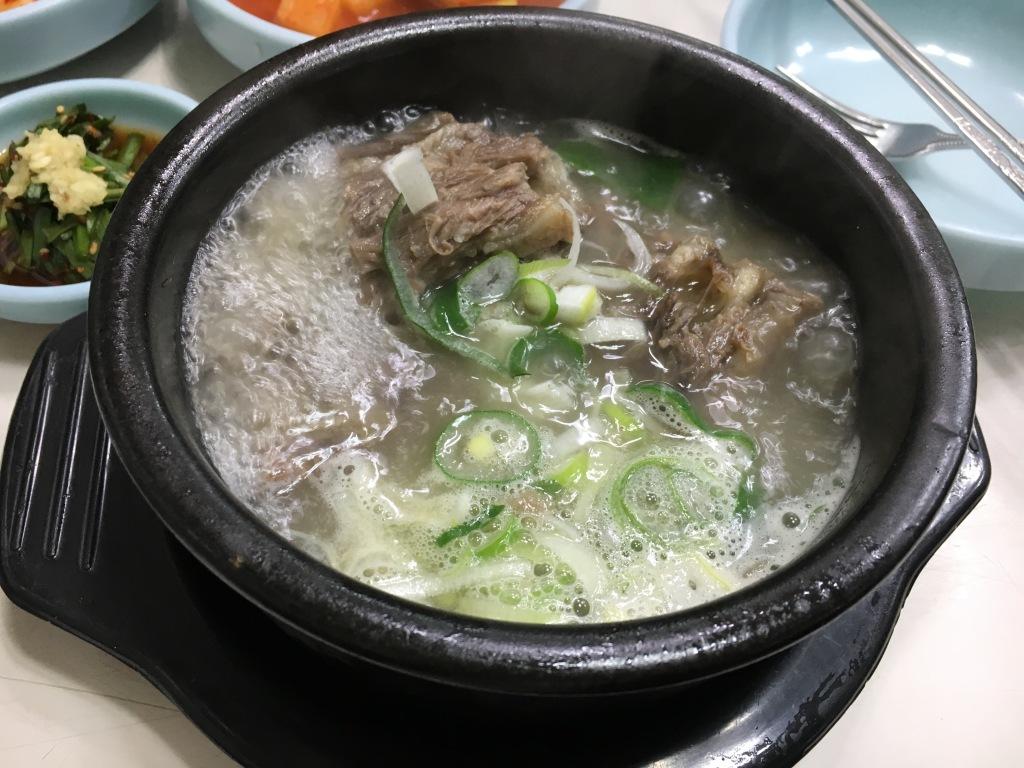 Oxtail soup @ Jinjujip.
