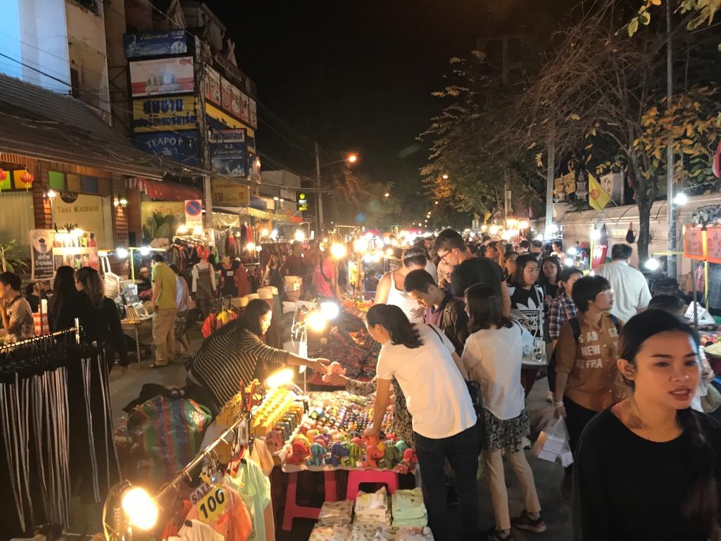 The busy Sunday Night Market. Photo credit: Aaron.