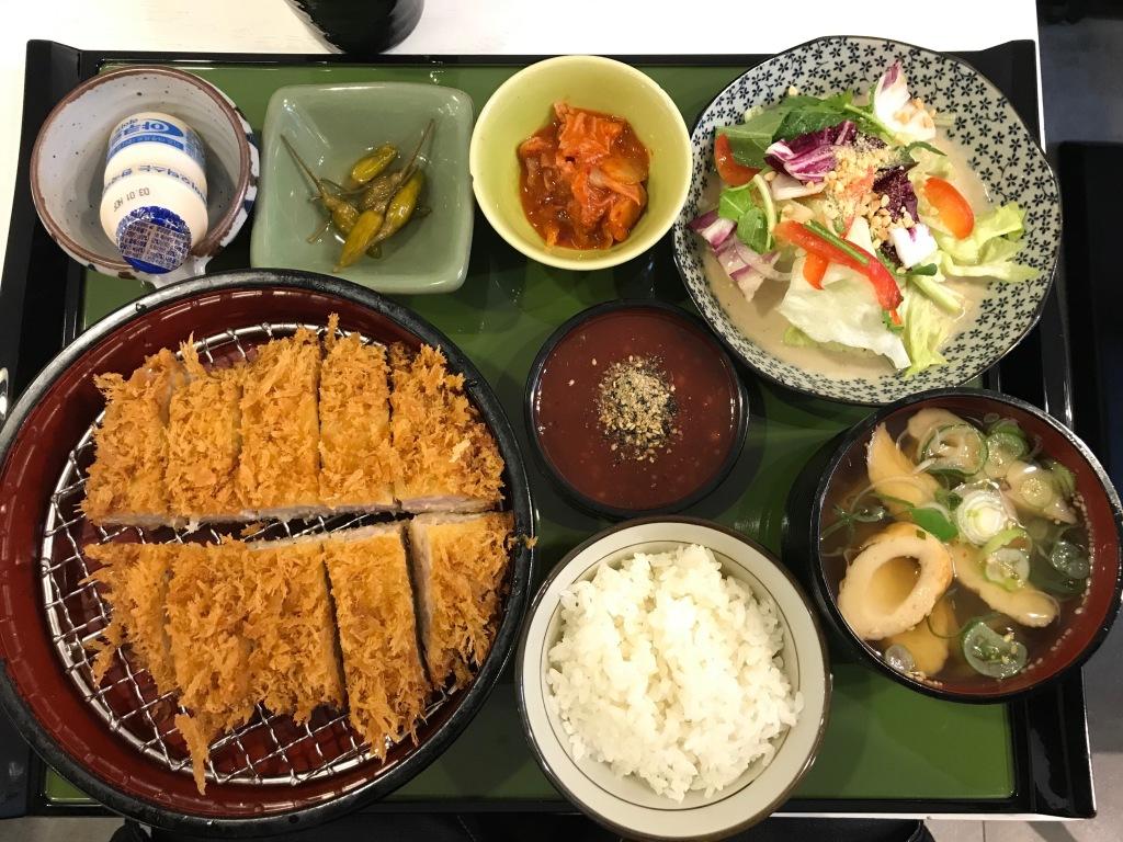 Tonkatsu meal @ Yurikamome. Photo credit: Aaron.