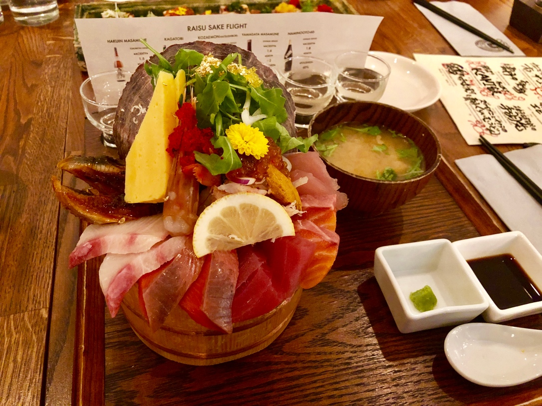 Deluxe seafood bowl @ Raisu