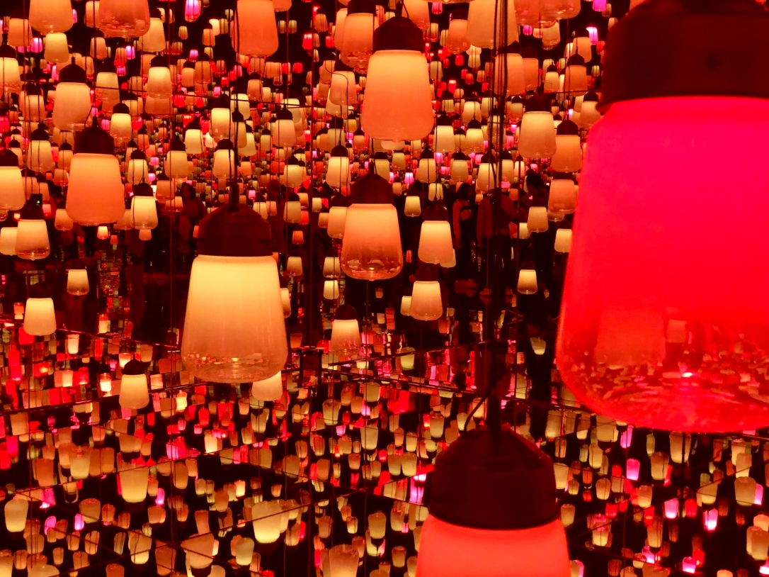 Lantern room @ TeamLab Art Museum