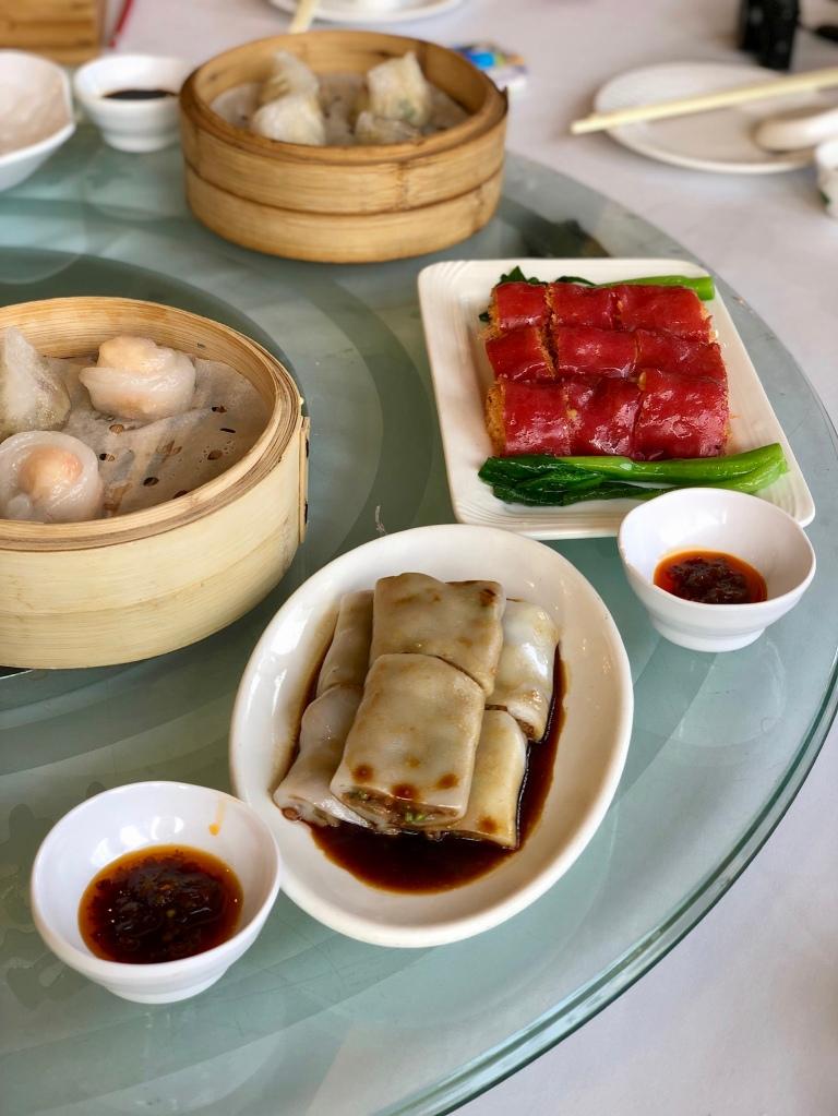 Rice noodle rolls @ 稻香酒家